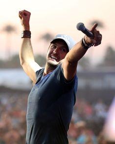 Luke Bryan Photos - 2012 Stagecoach: California's Country Music Festival - Day 2 - Zimbio