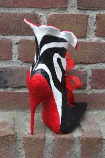Atelier Soeff: Papier mache schoen van Ans
