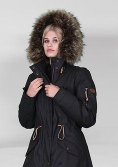 Camilla Mørch, AW2017, www.camillamorch.eu fashion function feminine rain sweden scandinavia