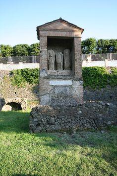 the bodies of the pompeii petrified the town of pompeii