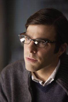 Zachary Quinto as Dr. Oliver Thredson in American Horror Story Asylum. Anjrit bgt ni orang... haha...