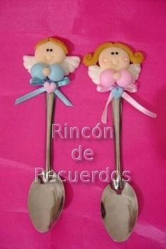 Cucharitas Decoradas Porcelana Fria Souvenirs Jumping Clay, Baby Shawer, Angel Crafts, Baptism Favors, Clay Food, Ideas Para Fiestas, Fimo Clay, Pasta Flexible, Cold Porcelain