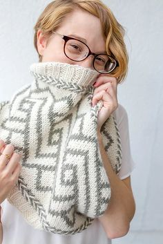 Ravelry: Comfort Cowl pattern by Francoise Danoy Fair Isle Knitting, Hand Knitting, Knitting Designs, Knitting Projects, Crochet Hooks, Knit Crochet, Quick Knits, Knit Cowl, Clothes Crafts