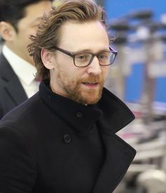 #TomHiddleston arrives at the Incheon International Airport in South Korea on April 11, 2018, for the #Avengers: #InfinityWar Fan Event. Source: Torrilla (https://m.weibo.cn/status/4227568217689317#&gid=1&pid=1 ) #Loki
