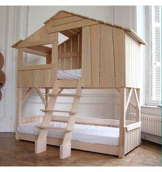 [anuncios]  Me enamoran este tipo de camas con forma de casa para la habitación de los niños, me parece una idea preciosa y elegante de unir el sueño y el juego, sobre todo para aquéll…