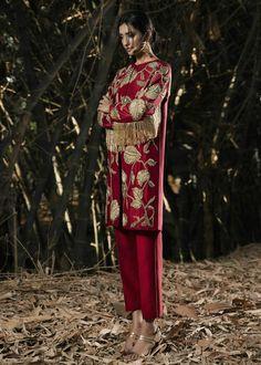 Pakistani Dresses Online, Pakistani Formal Dresses, Pakistani Dress Design, Silk Jacket, Silk Pants, Ethnic Fashion, Indian Fashion, Pakistani Street Style, Indian Designer Wear