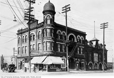What Weston Road used to look like in Toronto Toronto Ontario Canada, Toronto City, Old Pictures, Old Photos, Hotel Ads, Canadian Things, Historical Architecture, Old Buildings, City Photo