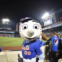 mets Best mascot in baseball. #LGM #METS