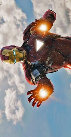 Iron Man is a 2008 American superhero film based on the Marvel Comics character of the same name. Produced by Marvel Studios and distributed by Paramount Pictures Mundo Marvel, Marvel Dc Comics, Marvel Heroes, Captain Marvel, Marvel Avengers, Avengers Poster, Marvel Movie Posters, Marvel Characters, Marvel Movies