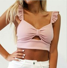 Dayra hija Simple Outfits, Trendy Outfits, Cute Outfits, Fashion Outfits, Cute Blouses, Blouses For Women, Cute Fashion, Urban Fashion, Crop Top Outfits
