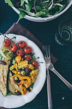 Sýta kukuričná kaša s fazuľou a grilovanou zeleninou | JEDZ A MILUJ
