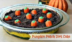 Blog post at Growing Up Gabel :     Make a Halloween  dirt cake full of Halloween colors and pumpkins. Instant pudding is turned orange and covered with cookie dirt a[..]