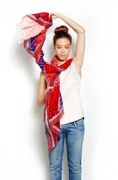 Fun and simple ways to tie your summer scarves!