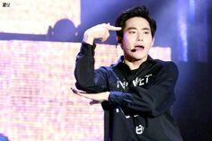 Kkkkk junmyeon the hell is this pose?!