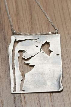 Windy day necklace