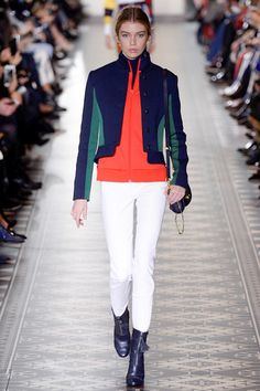 See the complete Tory Burch Fall 2016 Ready-to-Wear collection.