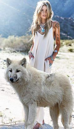 Pet Dogs, Dog Cat, Angry Wolf, Wolves And Women, Female Demons, Funny Animals, Cute Animals, Wolf Images, Comic Book Girl