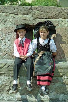 Top 10 des costumes traditionnels régionaux les plus ridicules