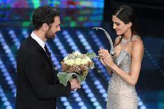 Sanremo 2017, i tre momenti con le lacrime agli occhi della prima serata  - Gioia.it