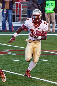 Wilder jr is a beast! Florida State Football, College Football Teams, Florida State University, Florida State Seminoles, Nfl Football, Seminole Football, Football Helmets, Ncaa College, College Years