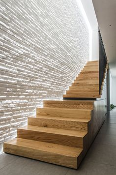 DesignRulz - Best recommendations for architecture, product design, interior and outdoor design Stair Lighting, Interior Lighting, Architecture Design, Stairs To Heaven, Balustrades, Modern Stairs, Interior Stairs, House Stairs, Staircase Design