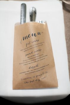 Kraft menu bag for utensils at a rehearsal dinner / www.keelythorne.com / Nancy Aidee Photography
