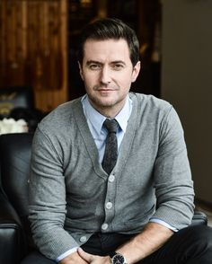 Here's a woman who knows what she's talking about. Article: Community Post: 21 Reasons Why You Should Fall In Love With Richard Armitage