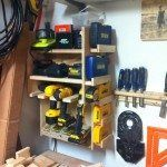 Cordless drill storage and charging station – DIY projects for everyone! Woodworking Bench Plans, Small Woodworking Projects, Woodworking School, Youtube Woodworking, Woodworking Books, Carpentry Tools, Woodworking Videos, Teds Woodworking, Cordless Power Tools