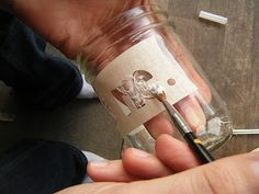Grabar un tarro de cristal al ácido