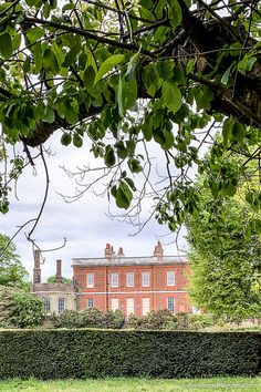 Ranger's House in Greenwich, London is a great London museum of art and one of the National Trust houses in Greenwich Park. It's near the Greenwich observatory in London. #greenwich #london #museum #nationaltrust Greenwich Market, Greenwich London, Greenwich Observatory, Best Places In London, London Property, London Museums, National Trust, London Travel, Days Out