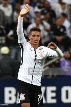 Pedrinho of Brazils Corinthians, celebrates his goal scored against Colombia's Patriotas, during their 2017 Copa Sudamericana football match held at Arena Corinthians stadium, in Sao Paulo, Brazil, on July 26, 2017. / AFP PHOTO / NELSON ALMEIDA        (Photo credit should read NELSON ALMEIDA/AFP/Getty Images)