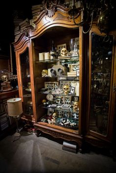 halloween curiosities | 2013 Cabinet of Curiosities #RogersGardensHalloween