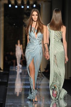 Atelier Versace Haute Couture Spring 2014 love this dress