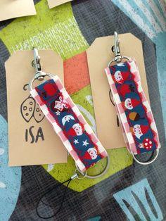 Sleutelhangers van oude keykords en linten van Bora. Personalized Items