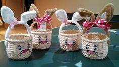 nyuszi Easter Baskets by Linda Clark. Love the bunny ear handles. Newspaper Basket, Newspaper Crafts, Paper Weaving, Hand Weaving, Blanket Stich, Sun Paper, Holiday Program, Diy Ostern, Craft Show Ideas