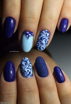 Amazing Blue Nail Art Design