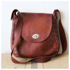 Leather Cross Body Bag. Vintage Purse. 60s Boho Crossbody Saddle Bag. Chestnut Brown Pebble Leather.