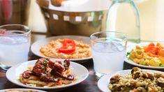 3 μερακλίδικοι μεζέδες για το ουζάκι της Καθαράς Δευτέρας Greek Meze, Greek Dinners, Greek Salad Recipes, Shellfish Recipes, Cocktail Recipes, Cocktails, Martinis, Best Places To Eat, Food Styling