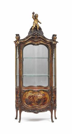 A FRENCH GILTWOOD AND VERNIS MARTIN-DECORATED VITRINE EARLY 20TH CENTURY