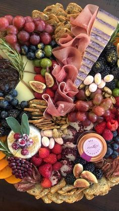 Charcuterie Recipes, Charcuterie Cheese, Charcuterie And Cheese Board, Cheese Boards, Party Food Platters, Party Trays, Cheese Platters, Breakfast Platter, Brunch Party
