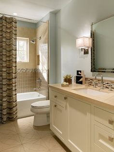Benjamin Moore Palladian Blue wall paint | Palo Alto Residence transitional bathroom | Melanie Coddington | Houzz