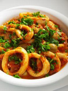 Recipe for Greek Style Spicy Calamari - Seafood Recipes - Greek Recipes Squid Recipes, Fish Recipes, Seafood Recipes, Cooking Recipes, Healthy Recipes, Greek Dishes, Fish Dishes, Seafood Dishes, Fish And Seafood