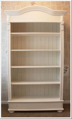 An old wooden bookshelf transformed with Old White Chalk Paint decorative paint by Annie Sloan Painting Old Furniture, Diy Painting, Painted Furniture, Painting Bookcase, Painted Bookshelves, Pine Bookcase, Wooden Bookcase, White Chalk Paint, Annie Sloan Chalk Paint