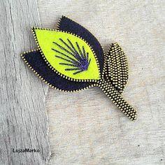 LujzaMarko / Krikľavo fialový púčik