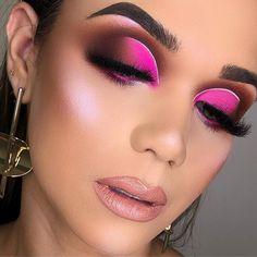 Pink eye makeup is probably one of the most favorite and cha […] Pink Eye Makeup, Makeup Eye Looks, Beautiful Eye Makeup, Colorful Eye Makeup, Eye Makeup Art, Mac Makeup, Skin Makeup, Eyeshadow Makeup, Eyeshadows