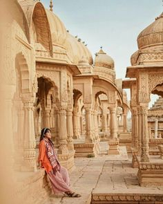 The Royal Cenotaphs of Bada Bagh in Jaisalmer are a must-do for any history and art lover. Travel Destinations In India, India Travel, Places To Travel, Jaisalmer, Udaipur, Beautiful Places To Visit, Cool Places To Visit, Maldives, Pakistan