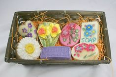 Flower Lovers Soap Gift Pack Soap Making Process, Bamboo Basket, Lavender Scent, Gift Baskets, Soaps, Lovers, Hand Painted, Floral, Gifts