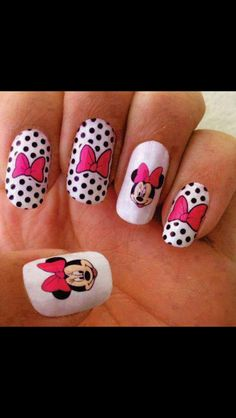 Mini Mouse nail art