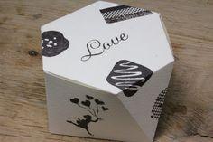 27.はい!おしゃれでかわいい、ダイヤモンドのようなチョコレートボックスのできあがりです!