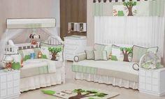 O quarto de bebê do menino agora vai ficar completo! Este lindo enxoval nas cores bege, verde e palha com temas bichinhos vai deixar a decoração do quartinho ainda mais especial.